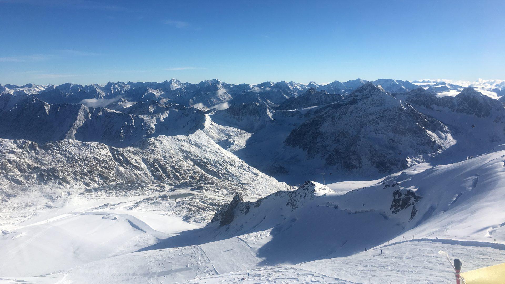 Saisonabschluss Mit Aprés Ski Am Pitztaler Gletscher