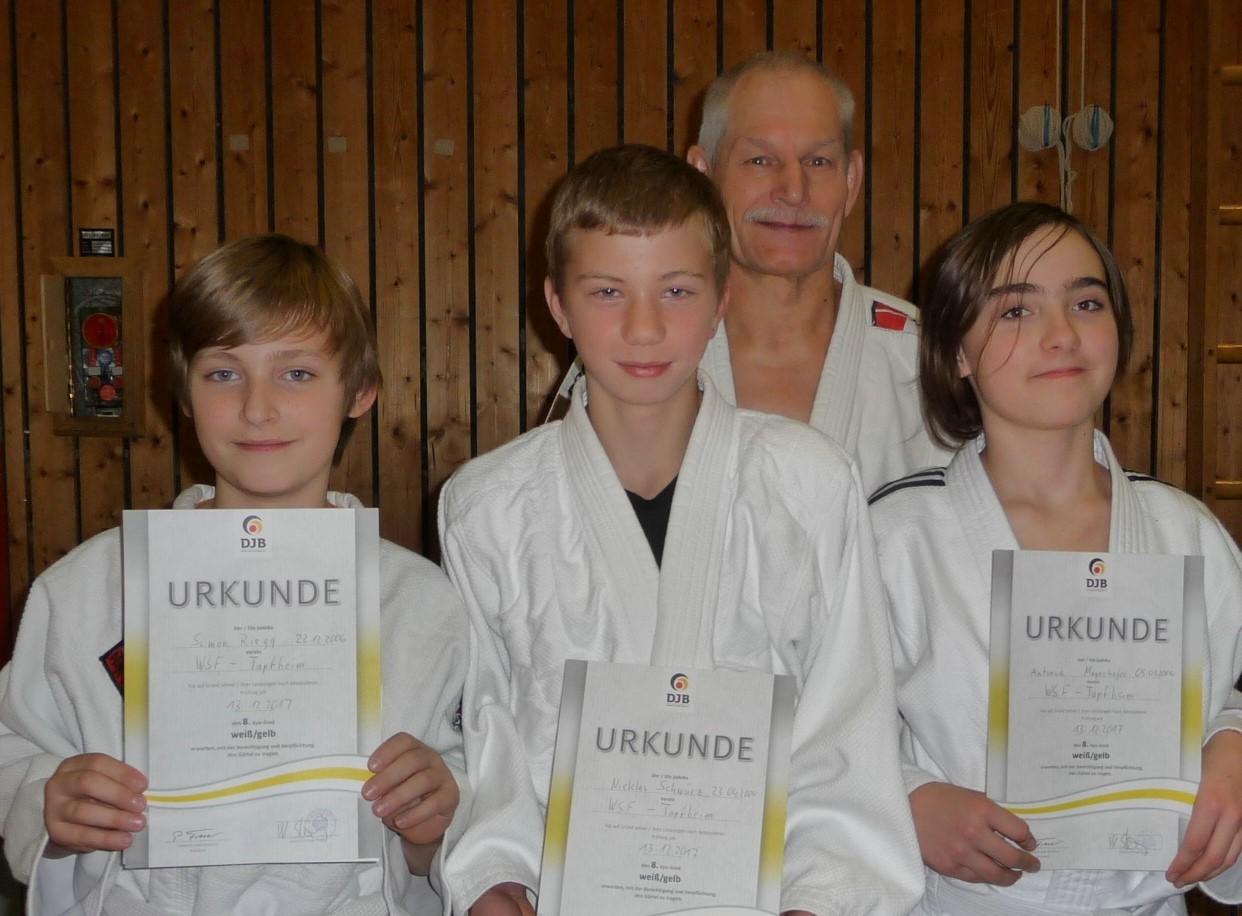 Erfolgreiche Judo-Gürtelprüfung Vor Weihnachten
